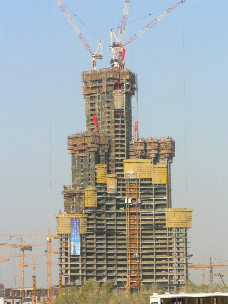 Trouver les plus hauts ! Burj-dubai-2006-05-13-4